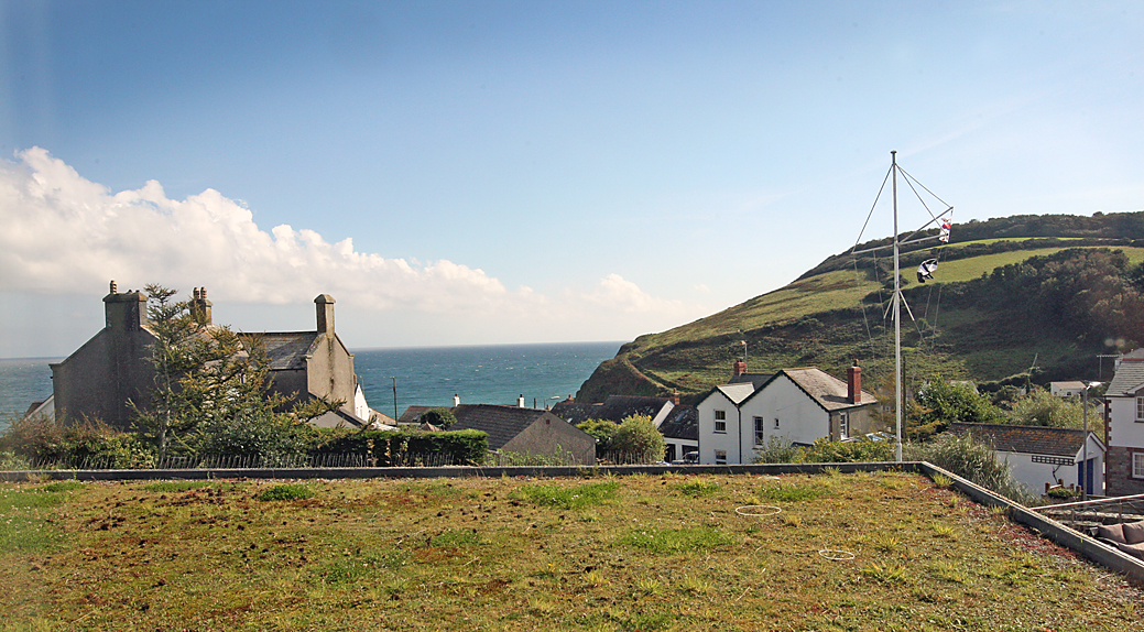 LawnrocRm4d 3/10/2016 The Llawnroc Hotel. Room 4, a double room that has sea views over a naturally seeded roof, to the hilltops that lead to the SouthWest Coastal Path.
